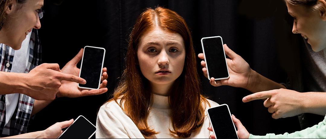 200 mujeres de alto perfil exigen poner fin a la «pandemia de abusos en internet» (y qué respondieron las grandes plataformas digitales)